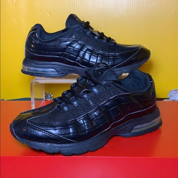 Nike Shoes   Rare Trippleblack Air Max